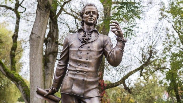 Statue von Friedrich Hölderlin in Nürtingen