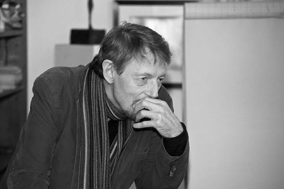 Reinhard Knodt ist Schriftsteller und Philosoph. Literaturpreisträger der Bayerischen Akademie. Sein aktuelles Buch Der Atemkreis der Dinge - Einübung in die Philosophie der Korrespondenz erschien 2018.